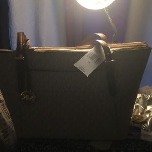 New Micheal Kors tote beige &brown Great price